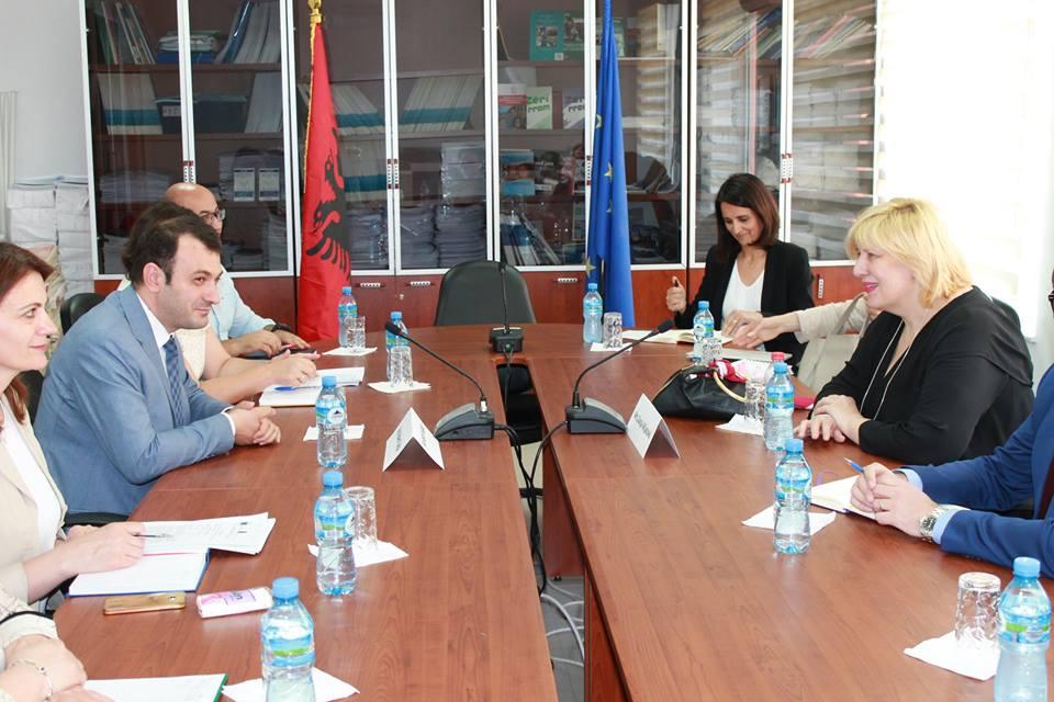 Komisioneri Gajda priti Komisioneren e KiE-së, Mijatoviç